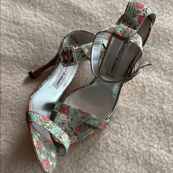 Manolo Blahnik Shoes - Manila heels